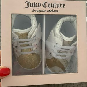 Juicy couture baby shoes. Size 4 (9-12 months)